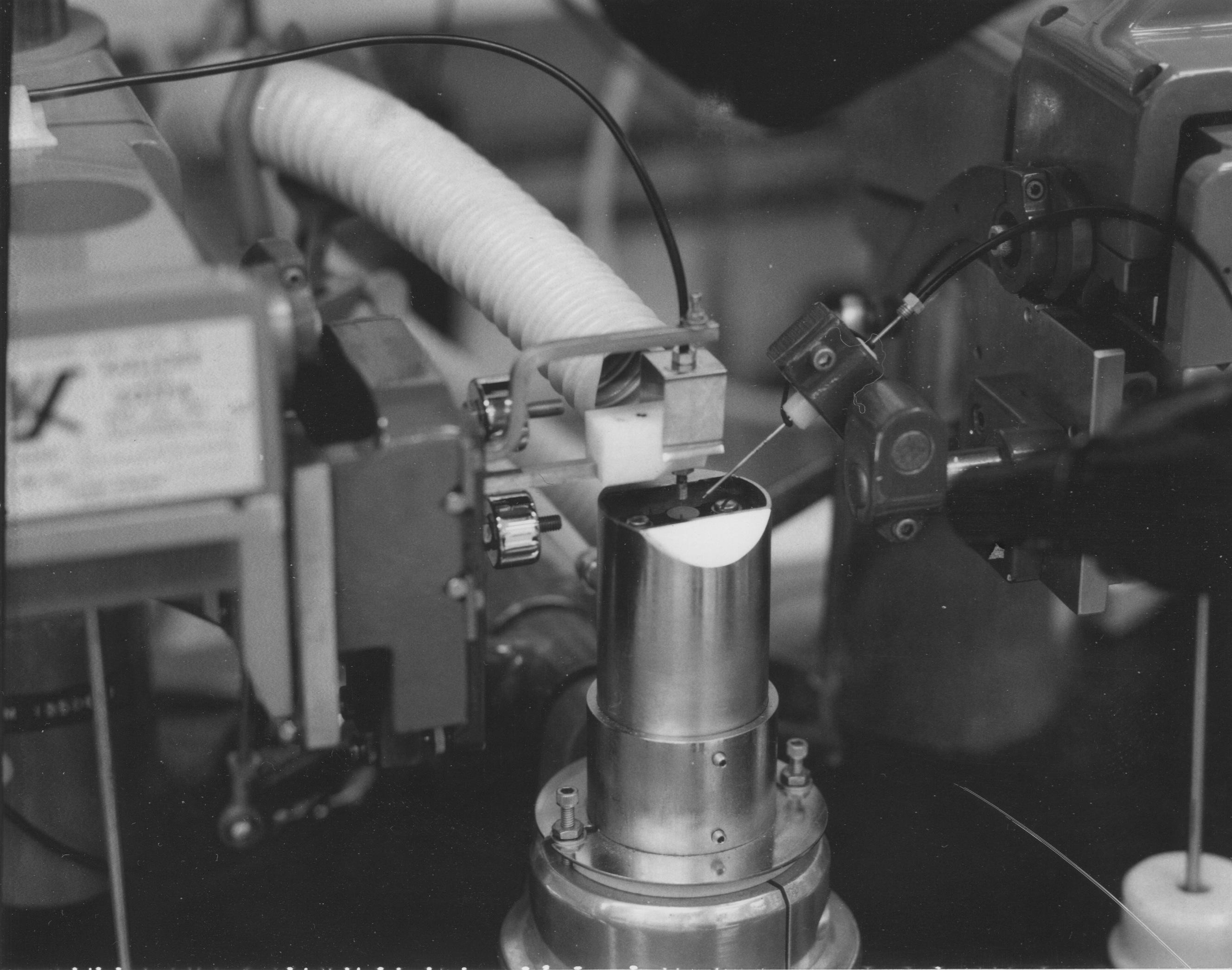 laserbonderstage.jpg